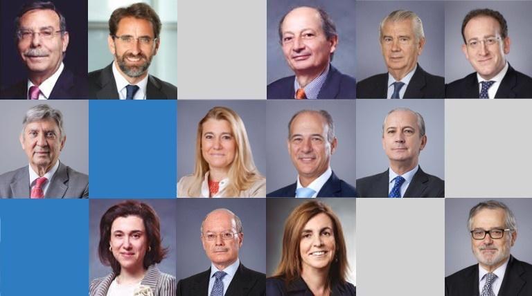 Miniaturas miembros del consejo.