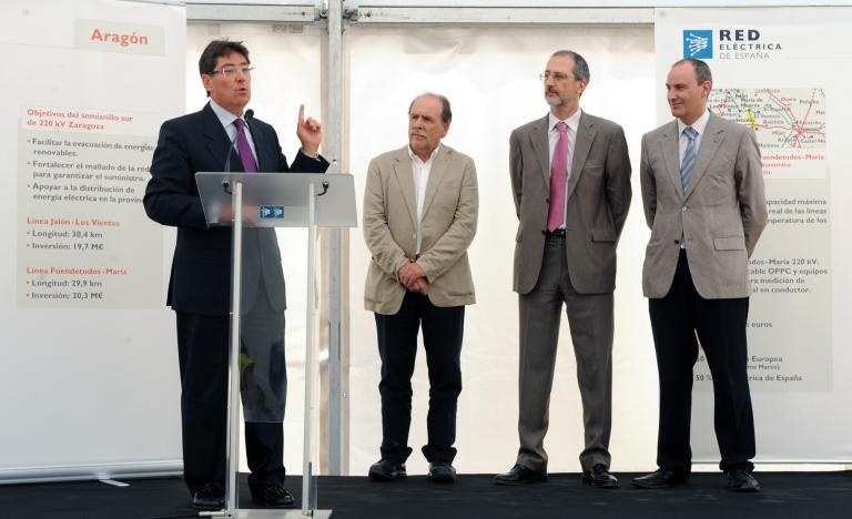 From left to right, Arturo Aliaga, Councillor of Industry of Aragón, Luis gil, Mayor of Muel. Carlos Collantes, general Manager of Transmission at Red Eléctrica, and José Ignacio Lallana, Delegate of red Eléctrica in Aragón, during the inauguration