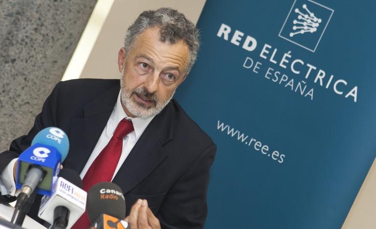El director de Red Eléctrica en Canarias, Santiago Marín, durante la presentación del balance.