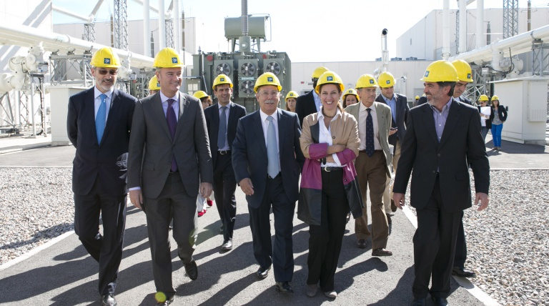 The attendees at the visit take a look round the facilities of the Morvedre converter station in Sagunto