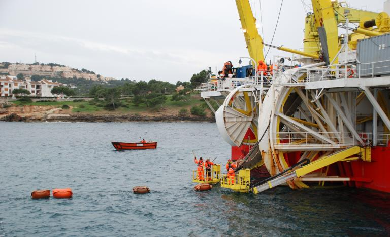 The 'Skagerrak' during cable laying in Santa Ponsa Bay in Mallorca