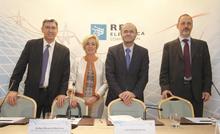 From left to right, Alberto Carbajo, general Manager of System Operation, Esther Rituerto, General Manager of Finance and Administration, Luis Atienza, chairman and CEO, and Carlos Collantes, General Manager of Transmission in the press conference prior to the General Shareholders' Meeting of Red Eléctrica de España