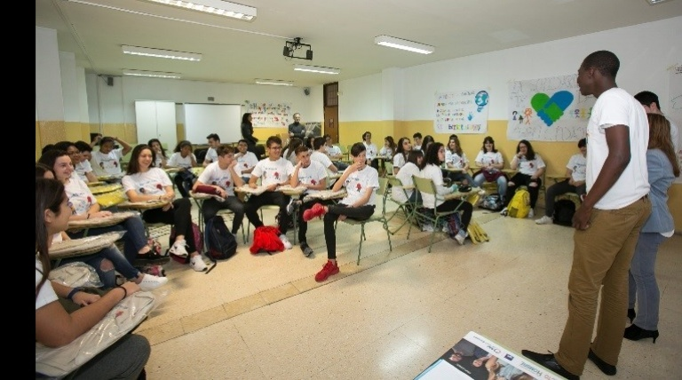 Students from schools in Gran Canaria participate in the entreREDes workshop, included within the 'Young people for the young' project organized by Red Eléctrica and Helsinki España, held in Las Palmas. In all, 450 secondary school students participated. (February 2017)