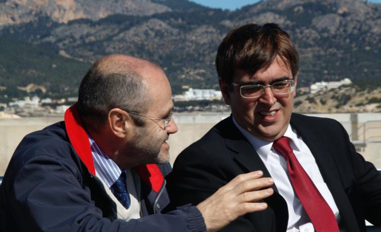 Luis Atienza, Chairman of Red Eléctrica, and Francesc Antich, President of the Government of the Balearic Islands, during the laying of the third interconnection cable between the Spanish peninsula and the Balearic Islands