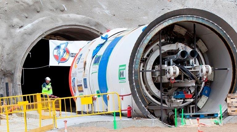 La tuneladora Canigó ha iniciado los trabajos de perforación por el lado francés del túnel.