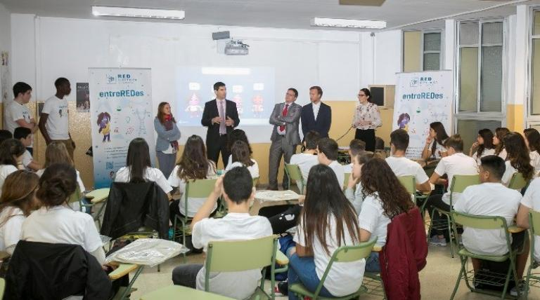 The Deputy Minister of Industry, the General Director of Universities of the Government of the Canary Islands and Red Eléctrica's Manager of System Operation Area in the archipelago collaborated in one of the entreREDes workshops held in Las Palmas.